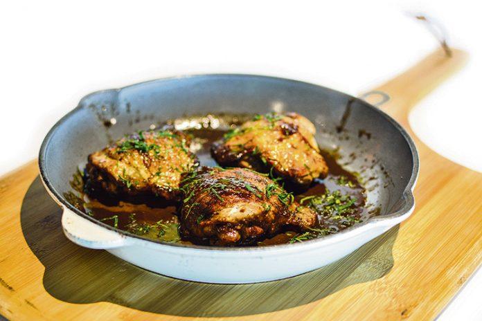 Pollo asado en salsa de vinagre balsámico
