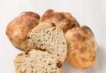 Receta Pan pueblo Un pan ideal para rellenar con lo que quiera: tomates, albahaca, quesos o carnes curadas.