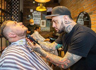 Las barberías ahora son espacios de evocación del pasado y donde el cliente, más allá de un corte, busca vivir una experiencia.
