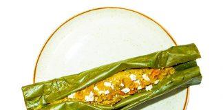 Bollito de guineo con leche de coco y queso costeño