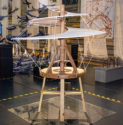 Homenaje a Leonardo Da Vinci en la UPB