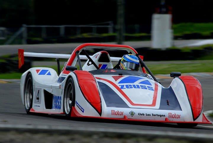 Este es el carro en el que compite en monomarcas. Foto cortesía Juan Manuel González.