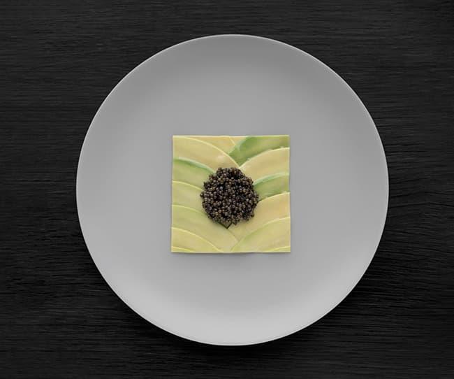 Aguacate con caviar y aceite de almendras. Foto cortesía: Geist.