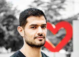 Camilo Restrepo, con su proyecto MásQueTresLetras