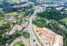 Puente en la glorieta de Sancho Paisa depende de vía a El Tablazo