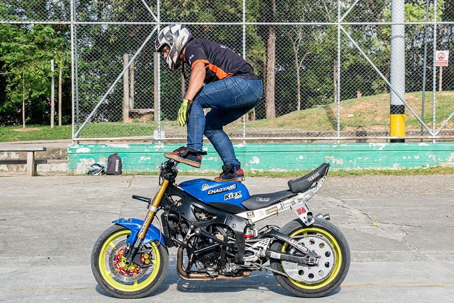 Andrés Marín Musingo campeón nacional e internacional de stunt