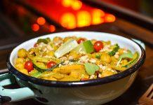 Bowl de curry de garbanzos y coliflor