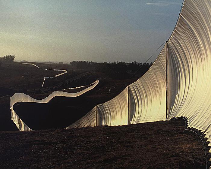Christo y Jeanne-Claude, Running Fence, 1976