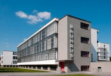 Edificio de la Bauhaus en Dessau. Autor Walter Gropius, 1925.