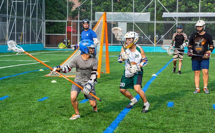 Los sábados se puede ver el lacrosse a las 4 p.m. en la Unidad Deportiva Atanasio Girardot.
