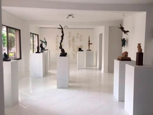 Esculturas de Gloria Vélez Galería Manila