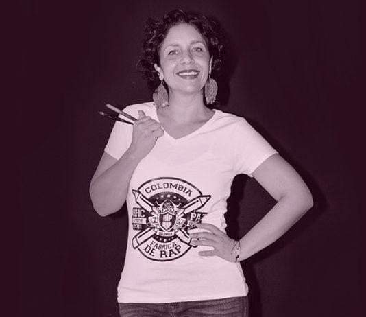 Johana Logreira, diseñadora y calígrafa, hace en Navidad trabajo comunitario. Reúne a amigos y a desconocidos alrededor de una causa.
