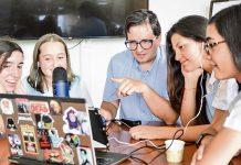 Math Rocks es producido por Nicolás Rivas, María Camila Giraldo, Valeria Osorno, María Antonia Alzate y Juliana Calle, y puede escucharse en la web del colegio.