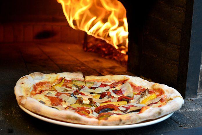 Pizza de vegetales asados