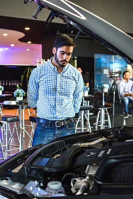 venta de vehículos eléctricos y híbridos