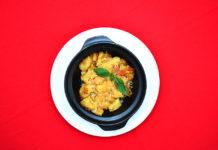 Gnocchis gratinados con tomate, albahaca y queso