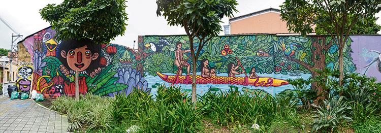 En la carrera 43 C entre calles 8 y 9, junto al restaurante La Matriarca, existe una de las obras más visitadas en El Poblado.
