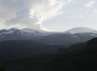 Volcán Nevado de Santa Isabel.