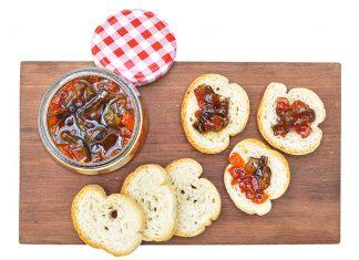 Confitura de pimentones con almíbar de especias