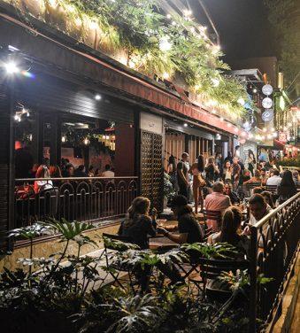 Bastardo, restaurante, bar y discoteca.