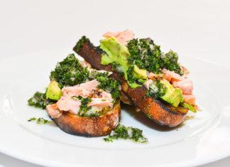 Tartine de salmón ahumado y aguacate