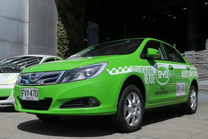 taxis eléctricos en Medellín
